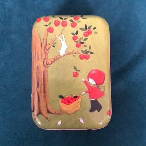 NWT Santoro Poppi Loves Tin Trinket Box